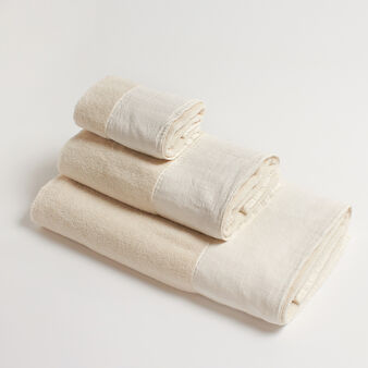 100% cotton towel with linen trim