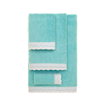 Towel with broderie anglaise trim