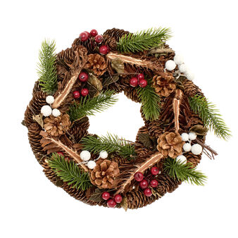 Wreath with pine cones and berries D 32cm