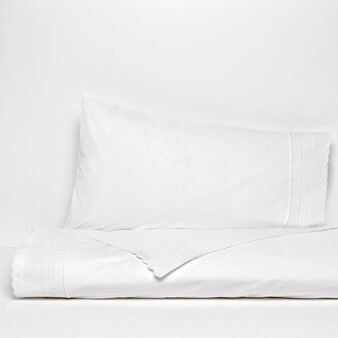 Double bed flat sheet in 100% cotton percale with sangallo lace edging