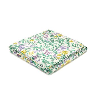 Cotton satin lightweight botanical quilt