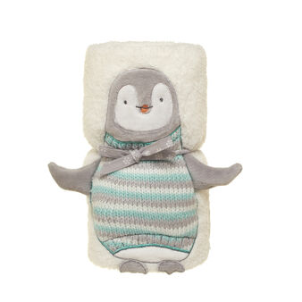 Cuddly penguin fleece throw