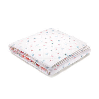 100% cotton percale lightweight quilt with peach flowers