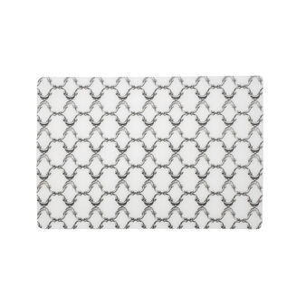 Table mat with contrasting colour decoration