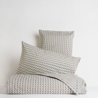 Bed linen range in 100% cotton percale with zigzag pattern.