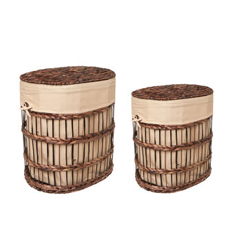 Laundry basket in hand-woven banana leaves