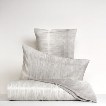 Bed linen range in linen blend