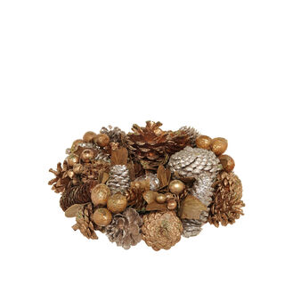 Wreath with gold pine cones