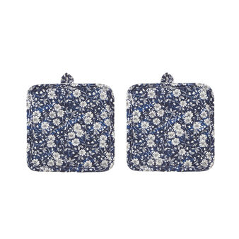 Two-pack pot holders with floral Vicky print