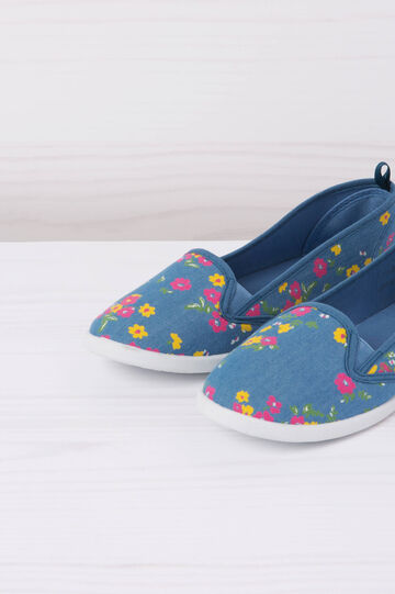 Floral patterned slip-ons