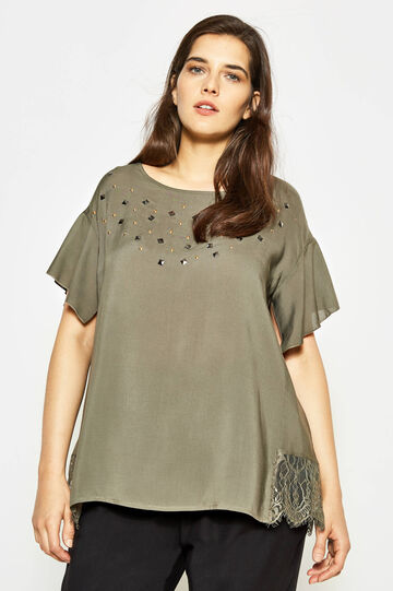 Curvy blouse with lace and studs