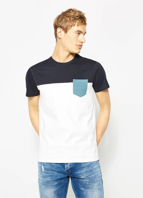Camiseta bicolor con un bolsillo | OVS