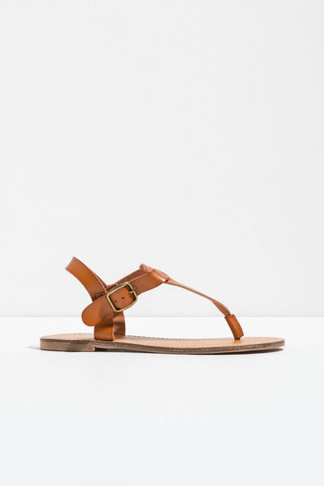 Sandals with buckle