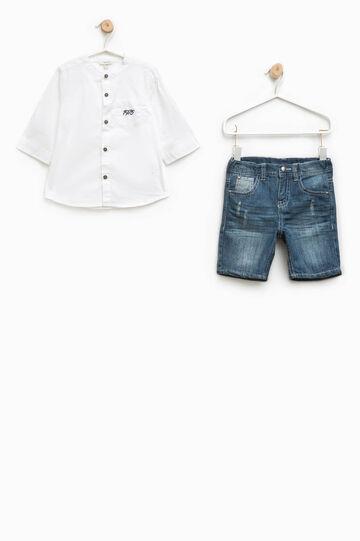 Conjunto de camisa y bermudas