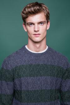 Pullover pura lana fantasia a righe, Grigio scuro, hi-res