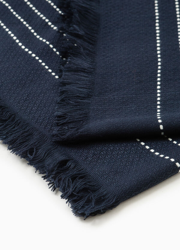 Patterned scarf with fringe | OVS