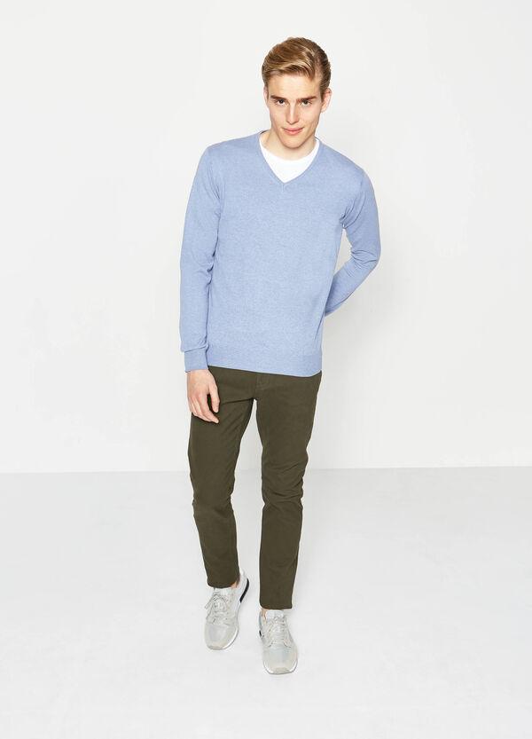 Jersey en algodón 100% con cuello de pico | OVS