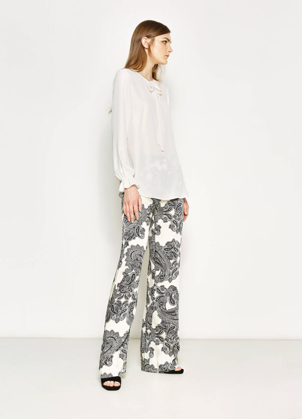 Palazzo trousers with paisley pattern | OVS