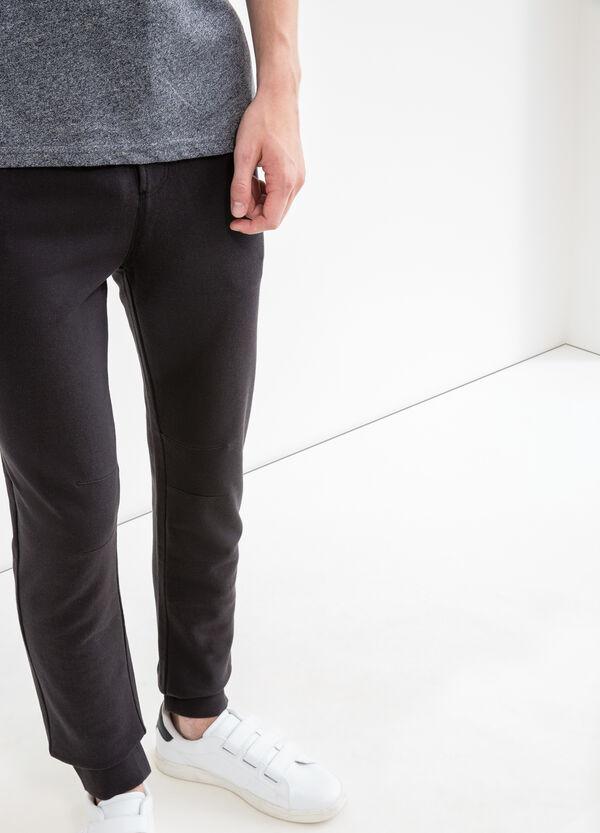 Pantalón de chándal con bajos elásticos | OVS