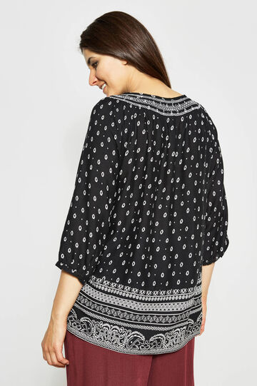 Curvy blouse with all-over print