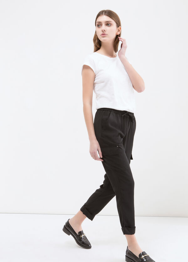 Capri pants with big pockets | OVS