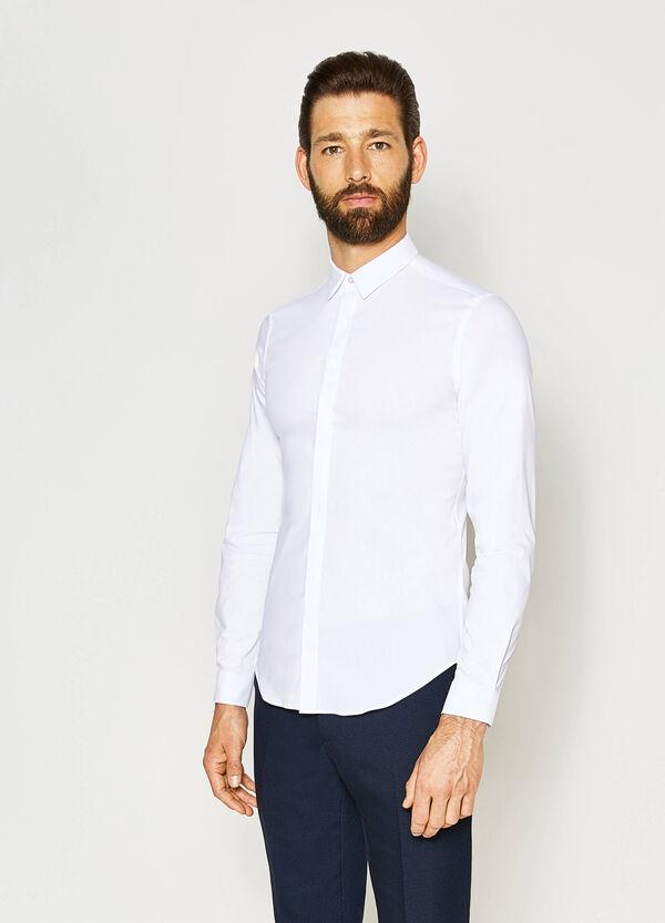 Camisa formal custom fit con cuello clásico | OVS