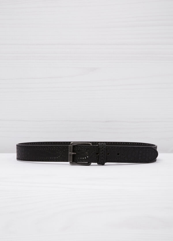 Hammered leather look belt. | OVS