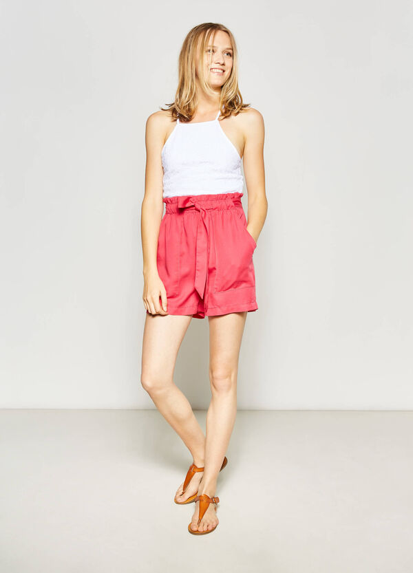 High-waisted shorts with belt | OVS