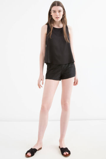 Solid colour openwork shorts