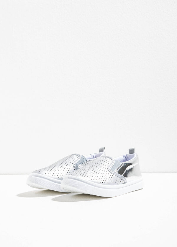 Shiny slip-ons with openwork upper | OVS