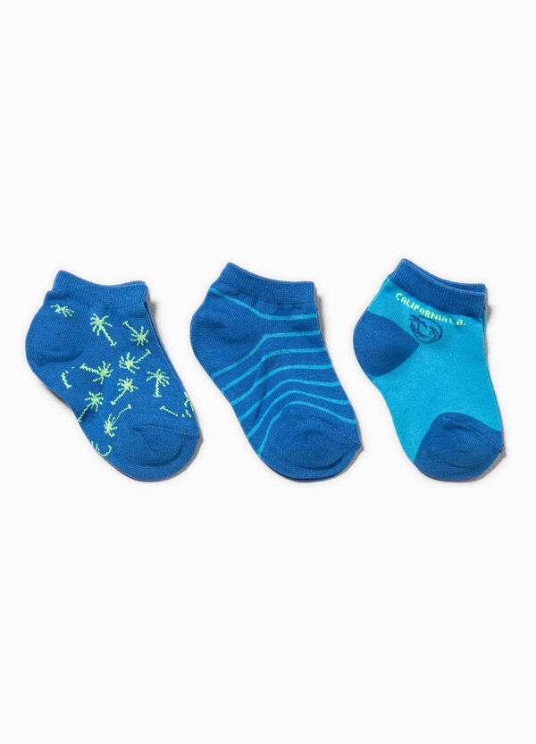 Three-pair pack solid colour and patterned socks | OVS
