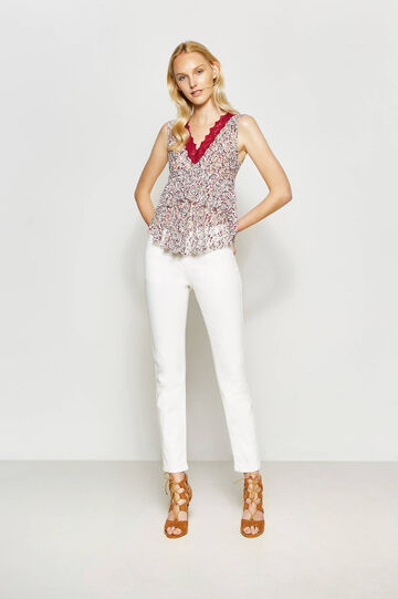 Stretch floral top with lace