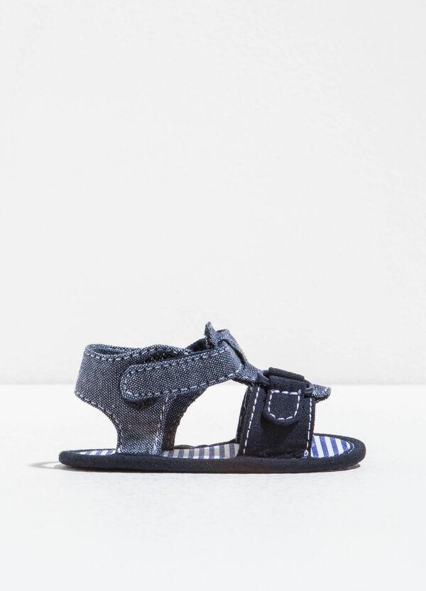 Sandali con cuciture a contrasto | OVS