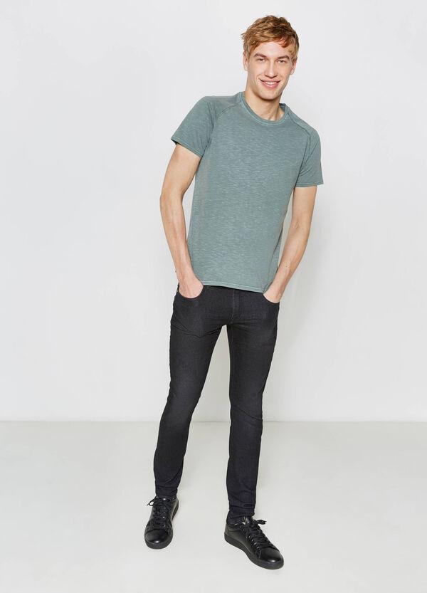 T-shirt in cotone con maniche raglan | OVS