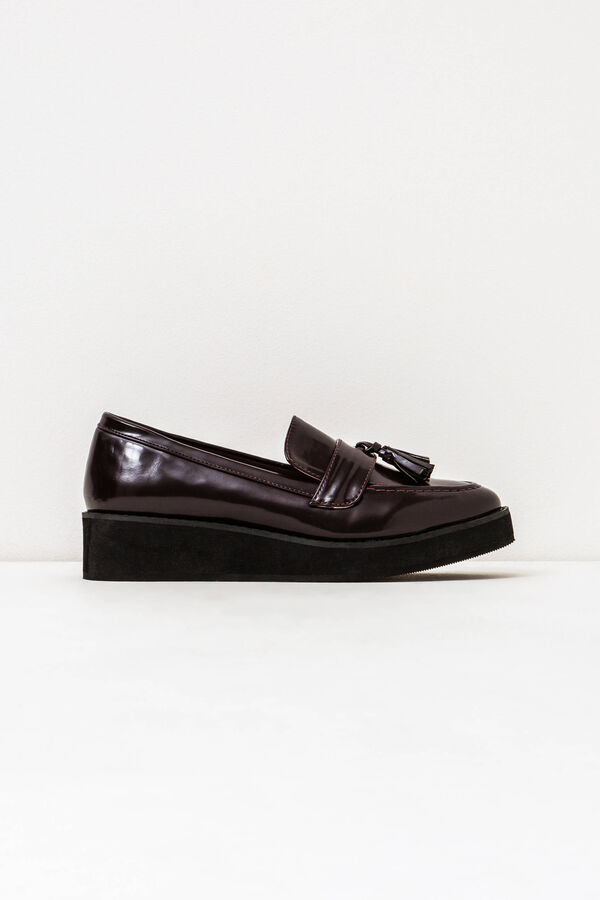 Shiny solid colour moccasins with tassel | OVS