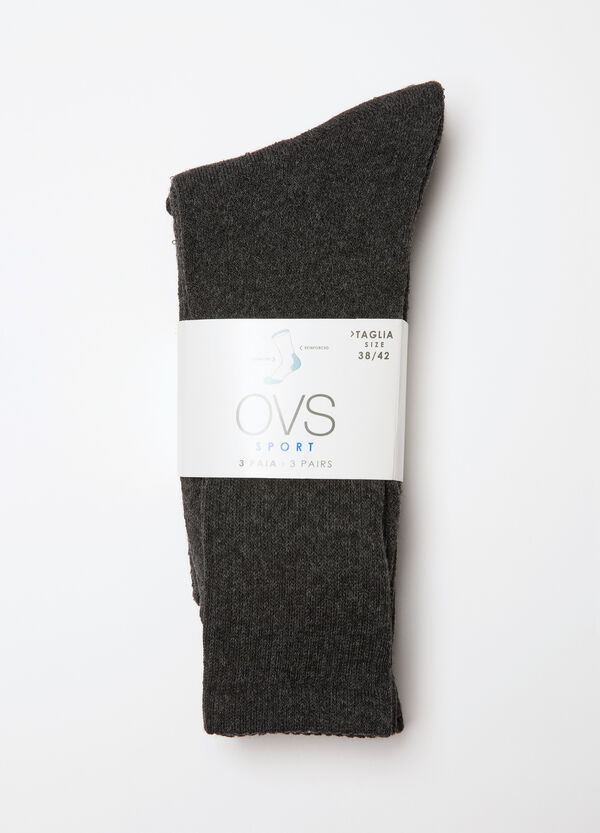 Three-pairs solid colour socks. | OVS