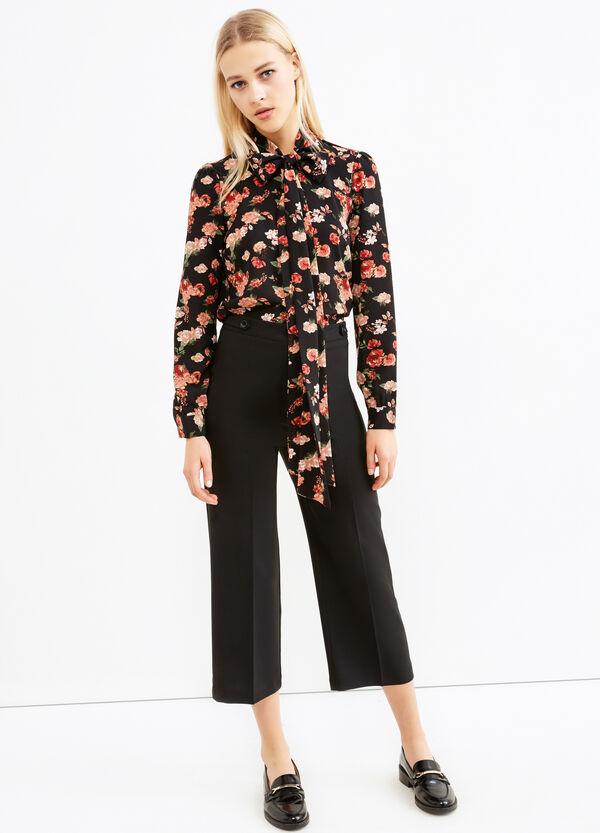 Pantaloni crop con piega | OVS