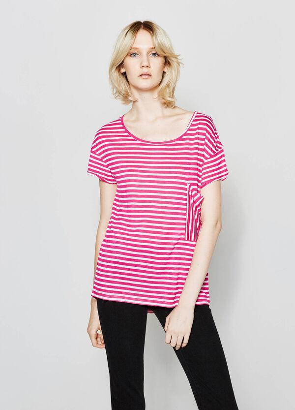 T-shirt in viscosa a righe con tasca | OVS