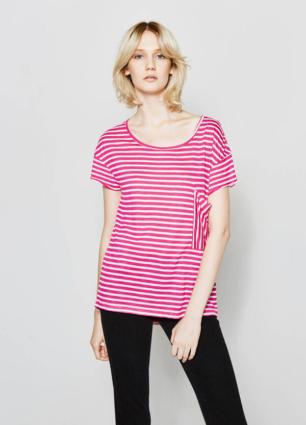Camiseta de rayas de viscosa con un bolsillo | OVS
