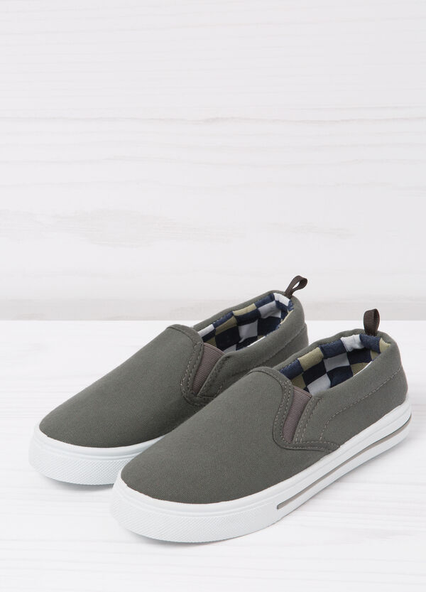 Slip-on shoes with contrasting inner | OVS