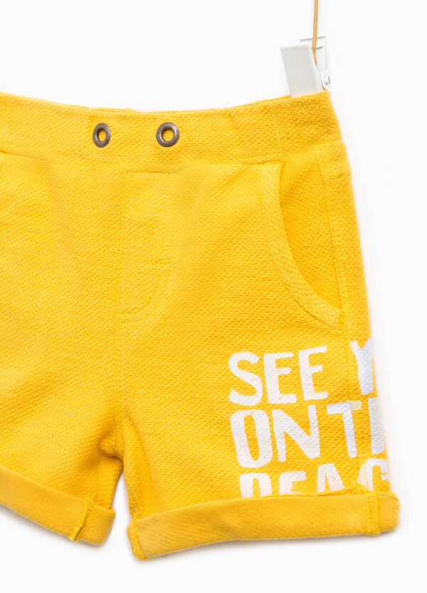 Printed Bermuda shorts with turn ups | OVS