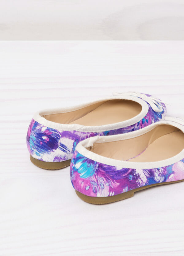 Round toe ballerina flats with print. | OVS