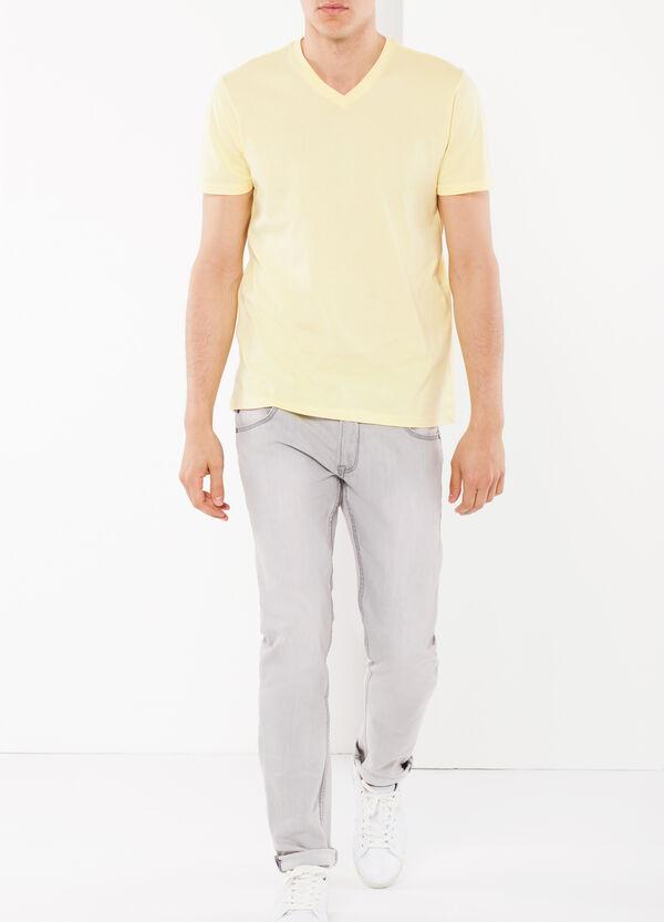 T-shirt con scollo a V | OVS