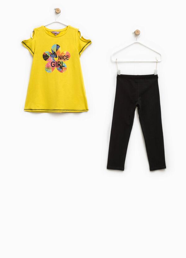 Completo t-shirt stampata e leggings | OVS