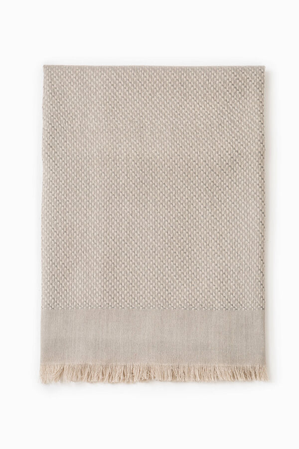 Knitted scarf with fringed edges | OVS