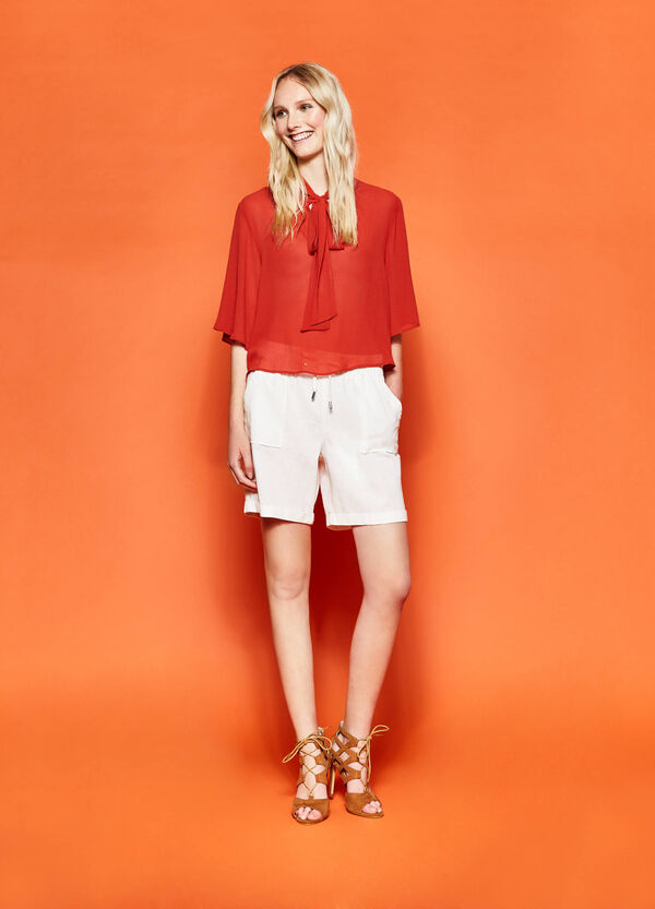 Cotton and linen Bermuda shorts | OVS