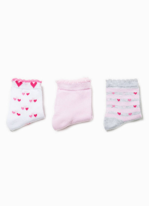 Three-pair pack short solid colour and patterned socks | OVS