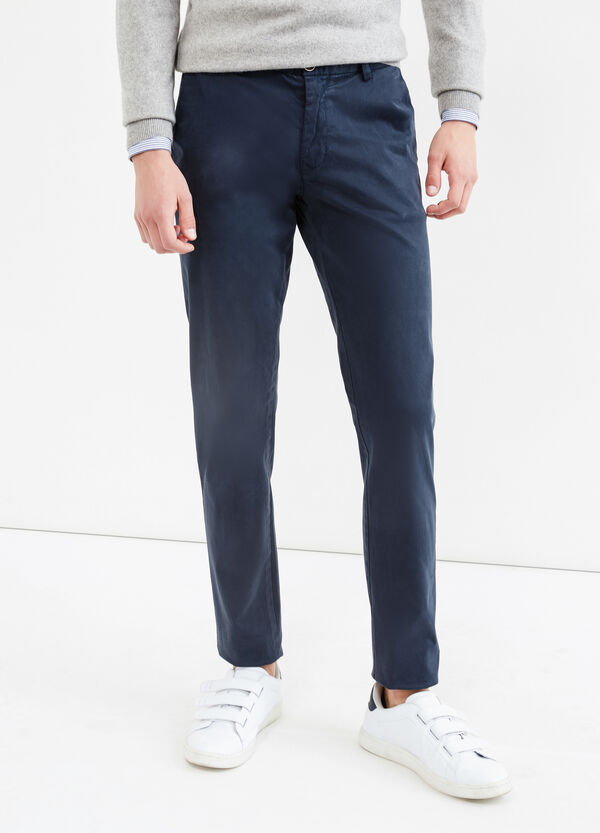 Pantaloni chino in cotone stretch | OVS