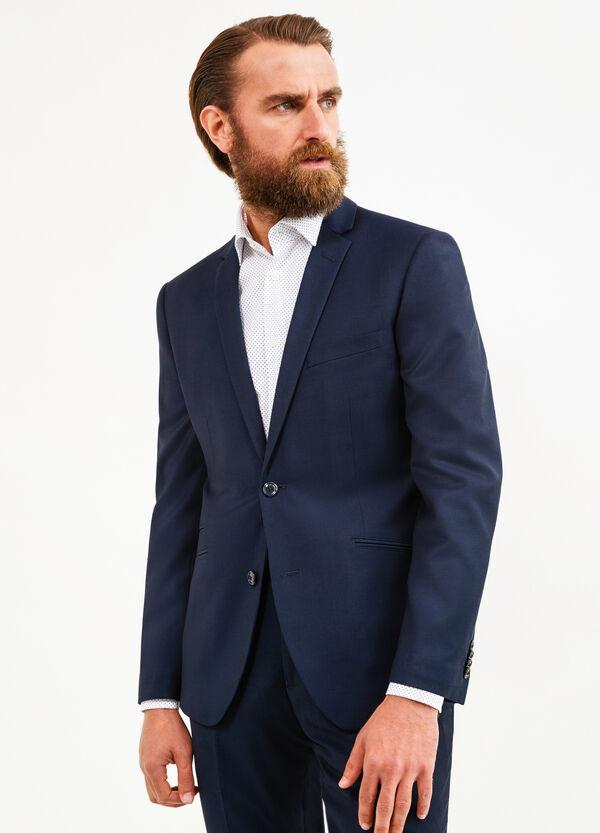 Elegant, custom-fit, stretch suit   OVS