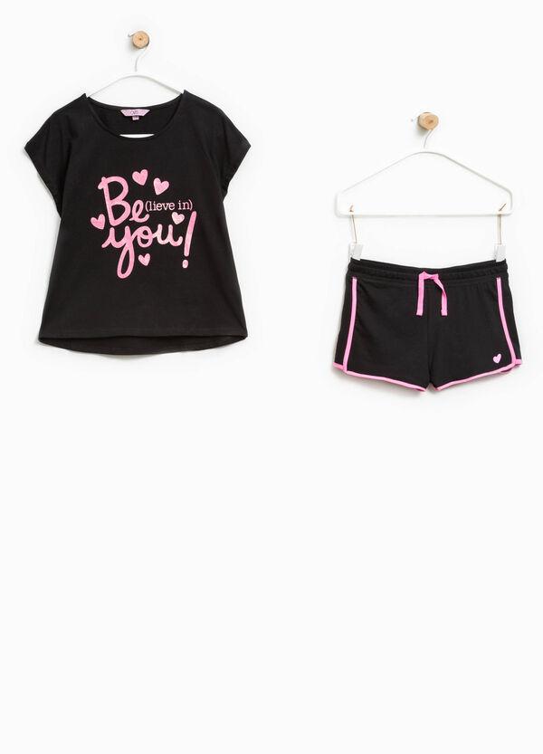 Conjunto de camiseta y shorts con estampado | OVS